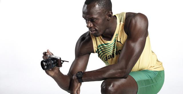 Szybkie fotografowanie i jeszcze szybsze udostępnianie zdjęć z Usainem Boltem i aparatem Samsung NX300