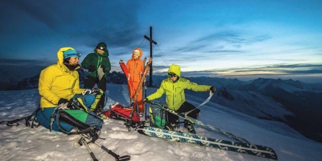Kohla Tirol prezentuje nowe modele kijów trekkingowych.