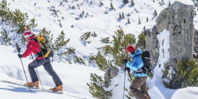 Skitouring – z jaką lampką na wyprawę?