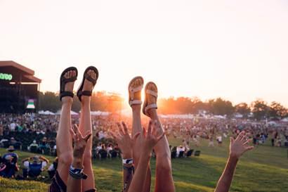 Teva wprowadza linię sandałów dedykowaną festiwalom muzycznym