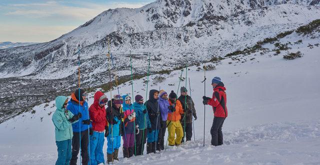 Jak zacząć przygodę z zimową turystyką w Tatrach?