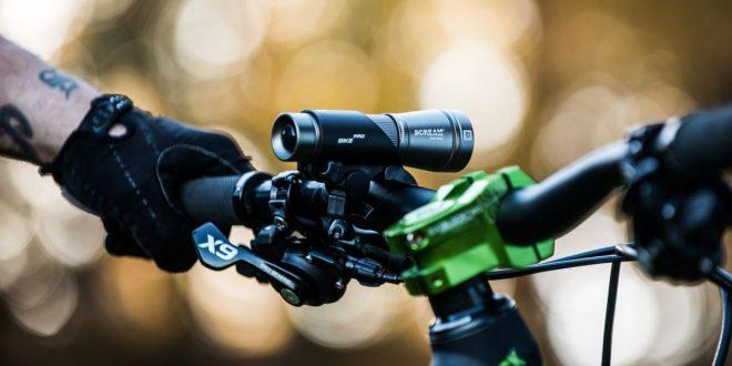 Co zabrać na długie podróże rowerem? Mactronic poleca lampę Scream