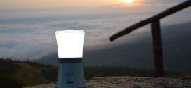 Lampy kempingowe – to musisz wiedzieć przed wakacjami