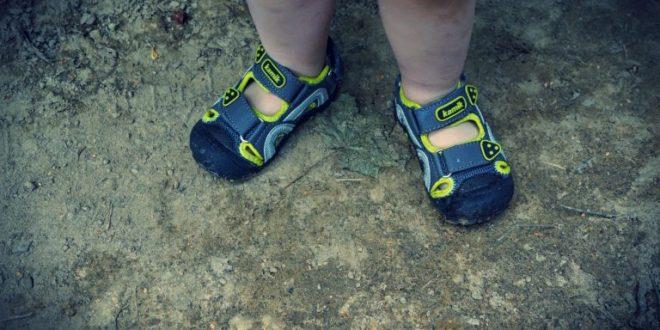 Zadbaj o komfort stóp swojego dziecka w czasie wakacyjnych upałów!  Kamik prezentuje sandały terenowe dla najmłodszych.