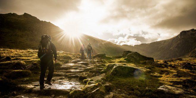 Wędruj zimą po najpiękniejszych polskich szlakach górskich!