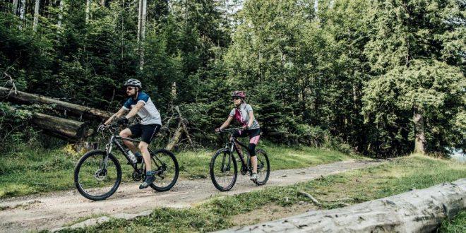 Dlaczego biegacz powinien jeździć na rowerze? Rower w treningu biegowym
