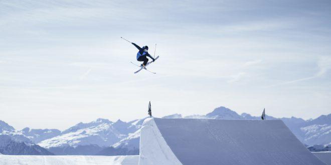 Columbia ogłasza partnerstwo ze szwajcarską narciarką freestylową Sarah Hoefflin