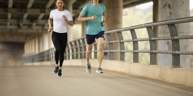 """Sport podczas pandemii. ASICS przedstawia nowe badania w ramach kampanii """"Run to Feel"""""""
