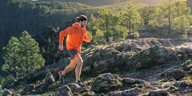 ASICS wprowadza nową kolekcję trailową Ochrona na każde warunki pogodowe
